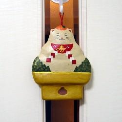 張り子の壁飾りモチネコ
