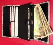 蛇革三つ折長財布